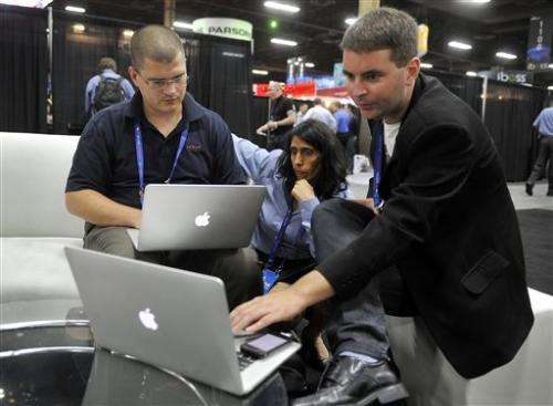 Federal government struggles against cyberattacks