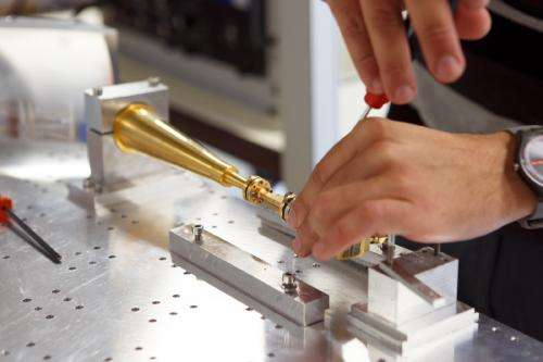 Research demonstrates various possibilities for controlling light in the terahertz frequency range