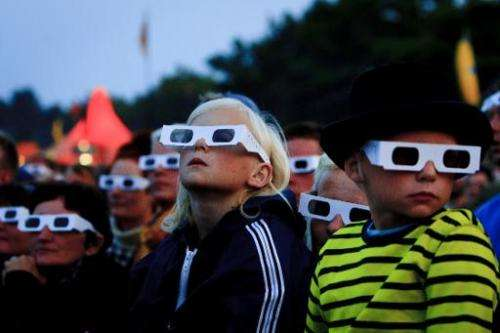 Specialists have raised questions about the safety of 3D technology for child vision, but these concerns have rarely been formul