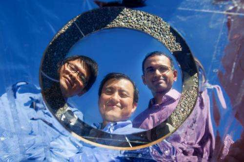 Stanford engineers invent high-tech mirror to beam heat away from buildings into space