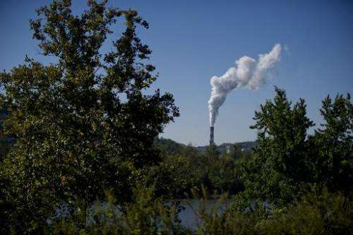 A plume of exhaust extends from a coal-fired power plant located southwest of Pittsburgh, Pennsylvania, on September 24, 2013
