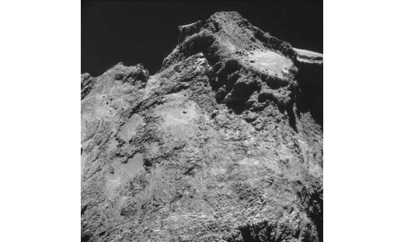 European spacecraft begins descending to comet 67P