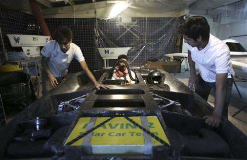Iran students gear up solar car for US challenge