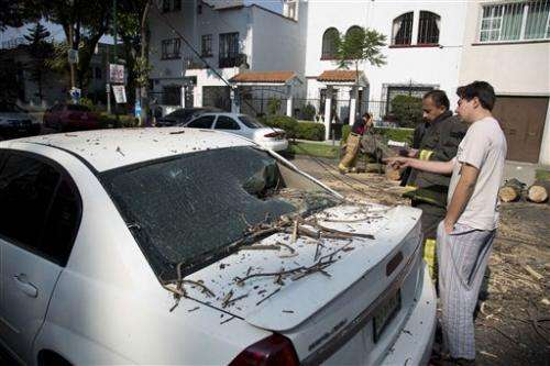 Magnitude-7.2 earthquake shakes Mexican capital