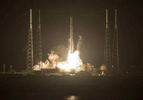 SpaceX launches 3-D printer, other station gear