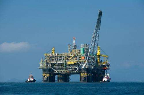 Researchers find oil platforms among the most productive fish habitats in the world
