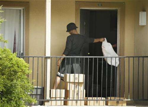 Home where Ebola patient stayed awaits cleaning