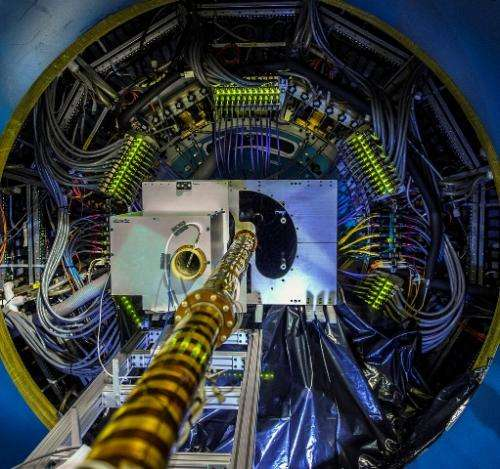 Scientists recreating early universe quark-gluon plasma in giant particle accelerators