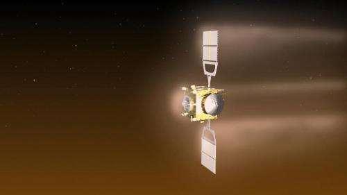 Venus Express spacecraft, low on fuel, does delicate dance above doom below