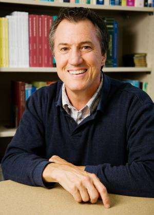 Academic journals should adopt nonprofit publishing model, expert says