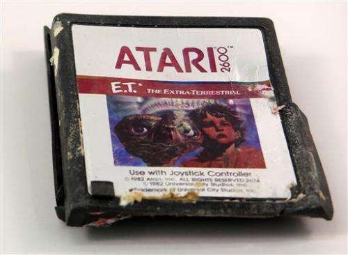 Atari's 'E.T.' game joins Smithsonian collection