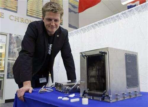 Bad weather delays SpaceX launch with 3-D printer