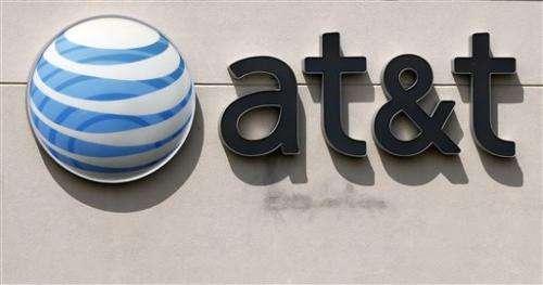 Cheaper wireless plans cut into AT&T 2Q profit