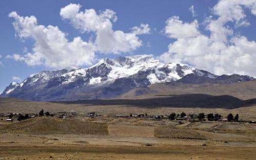 Community of Frasquia, living 4,050 m above sea level, on the foothills of the snowcapped Illampu mountain in the Bolivian Andes