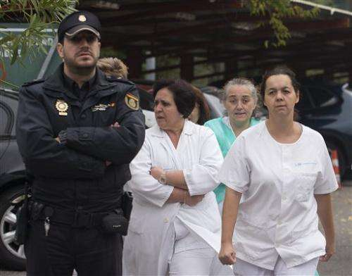 Ebola in Spain raises questions about protection