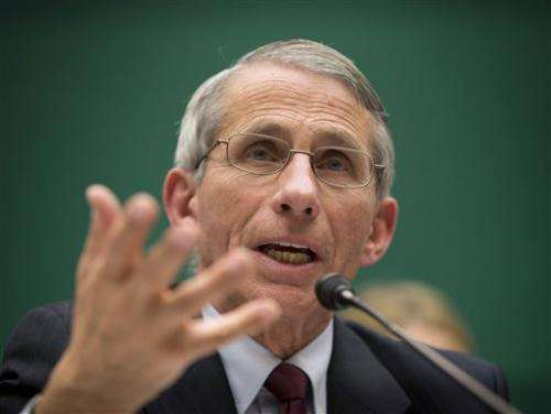 Governors back home quarantine for Ebola workers