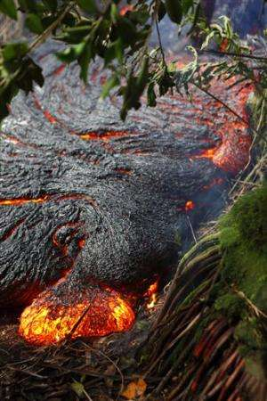 Hawaii lava's slow forward creep stalls -- for now