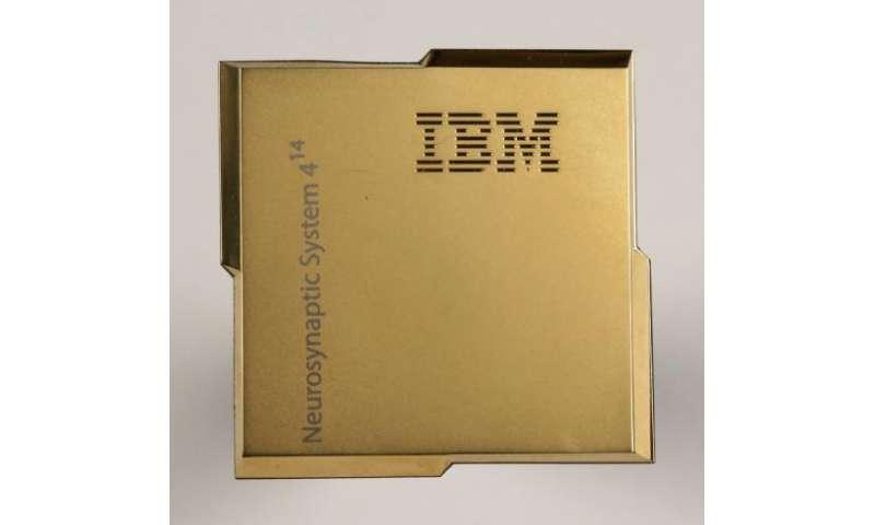 Tiny chip mimics brain, delivers supercomputer speed