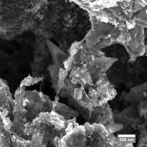 High-performance, low-cost ultracapacitors built with graphene and carbon nanotubes