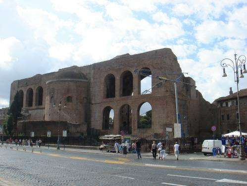 Monitoring the stability of historical architecture using space technology