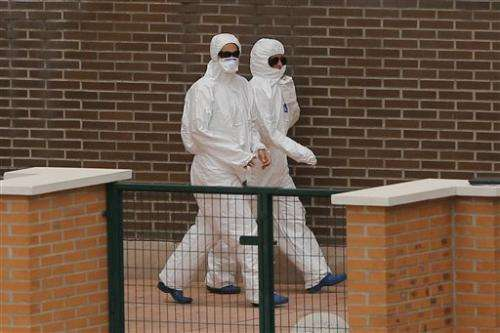 Spain: 6 in Madrid hospital for Ebola observation