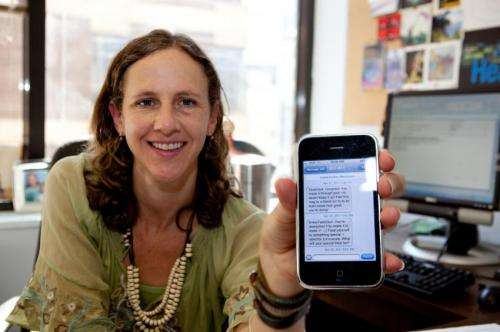 Text messaging program helps smokers fight the urge to light up