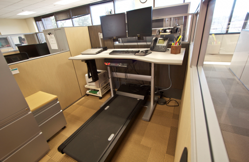 UT Arlington research says treadmill workstation benefits employees, employers