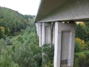 Vibrations reveal state of bridge ropes