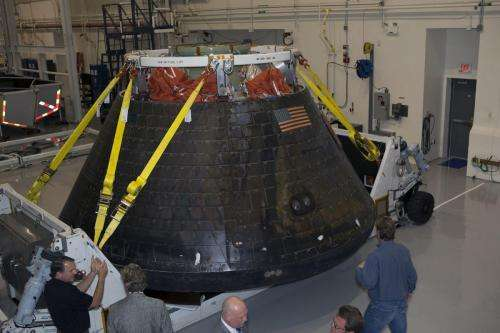 Video gives astronaut's-eye view inside NASA's Orion spacecraft
