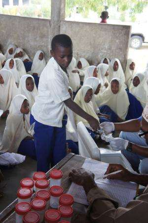 Worm infections in developing countries: Veterinary drugs improve the health of school children