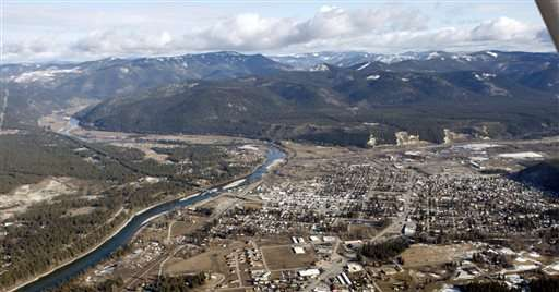 Cleanup of Superfund town would leave some asbestos behind