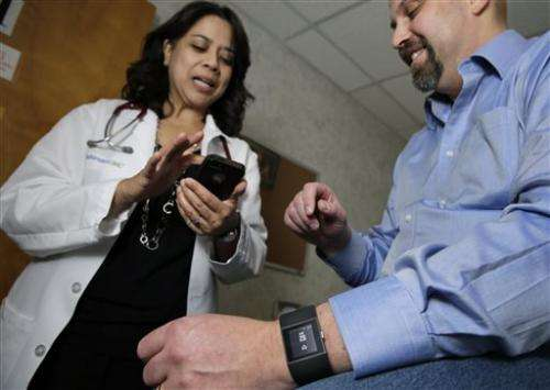 Doctors say fitness trackers, health apps can boost care