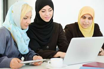 Experts explore Middle East women's accumulation and use of social capital