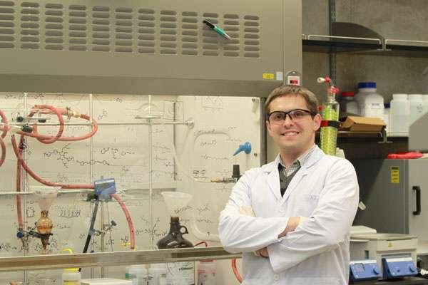 Graphene-based technique creates the smallest gaps in nanostructures
