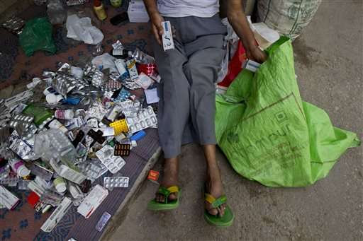 India's 'Medicine Baba' gets drugs from rich, gives to poor