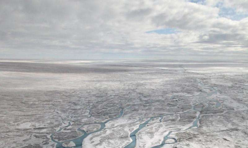 Land-facing, southwest Greenland Ice Sheet movement decreasing