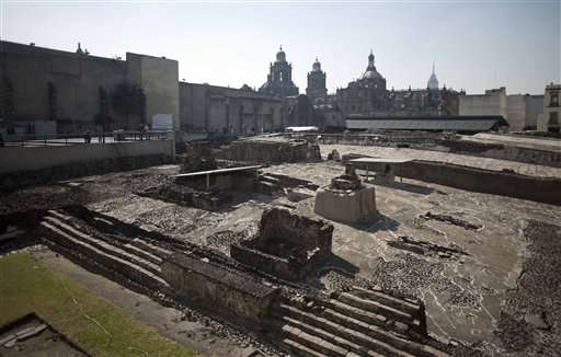 Mexico experts: passageway may lead to Aztec ruler's tomb