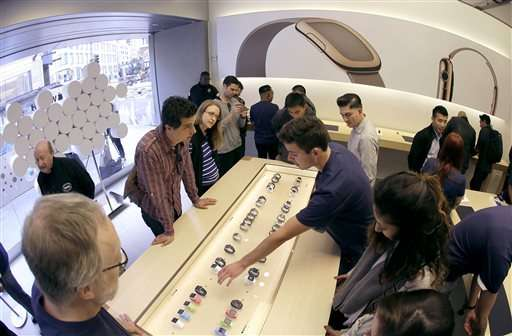 Online excitement but no long lines for Apple Watch debut