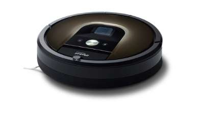 Roomba 980 cleans smart, flexes muscles when on the carpet
