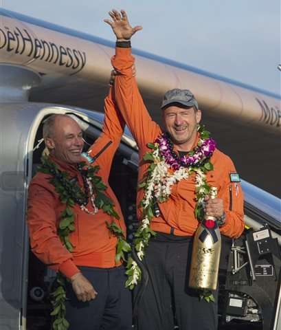 Solar plane lands in Hawaii after record-breaking flight (Update 2)