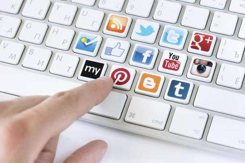 Study analyzes use of social networks for media purposes after 11-M