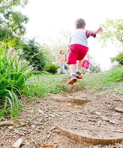 Study compares active video gaming to unstructured outdoor play