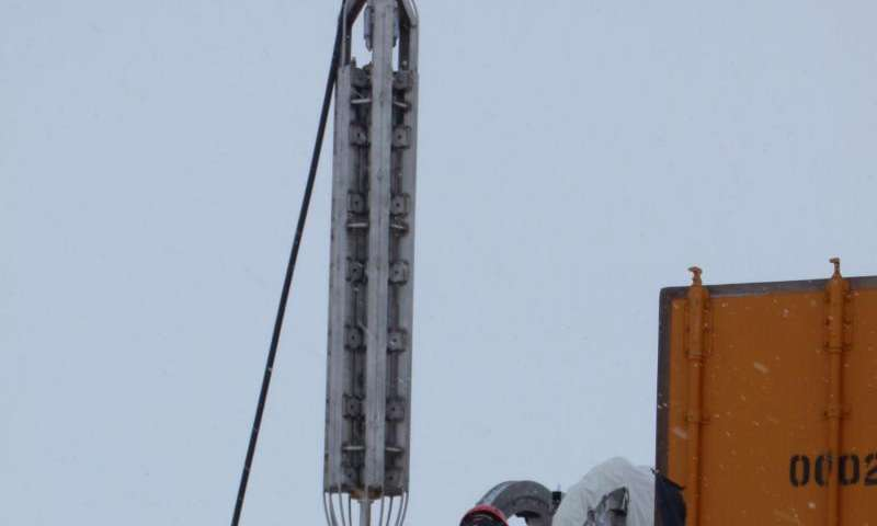 Study finds surprisingly high geothermal heating beneath West Antarctic Ice Sheet