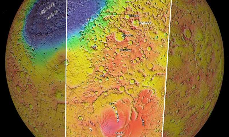 Sweeping over the south pole of Mars