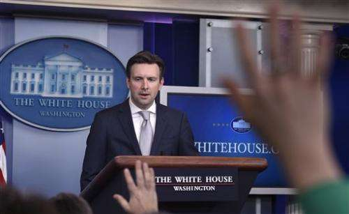 White House: Obama traded email with private Clinton account