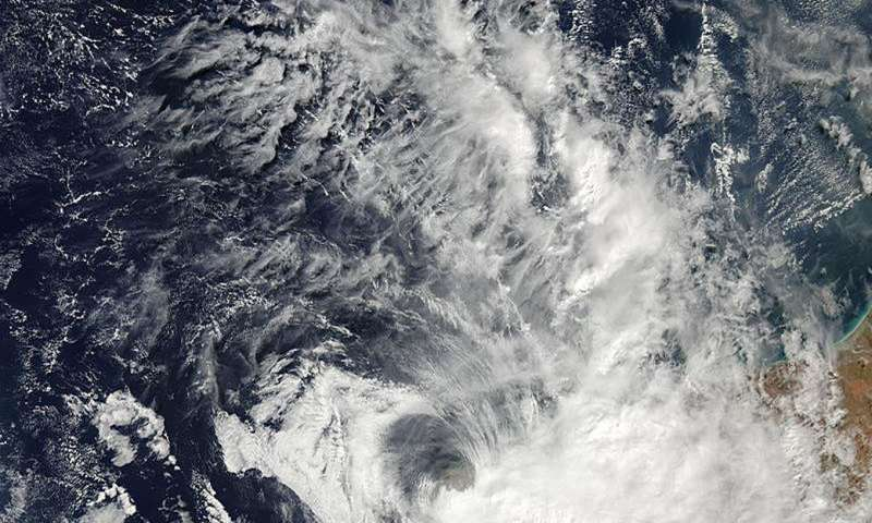 NASA satellite sees Tropical Cyclone Quang making landfall in Western Australia