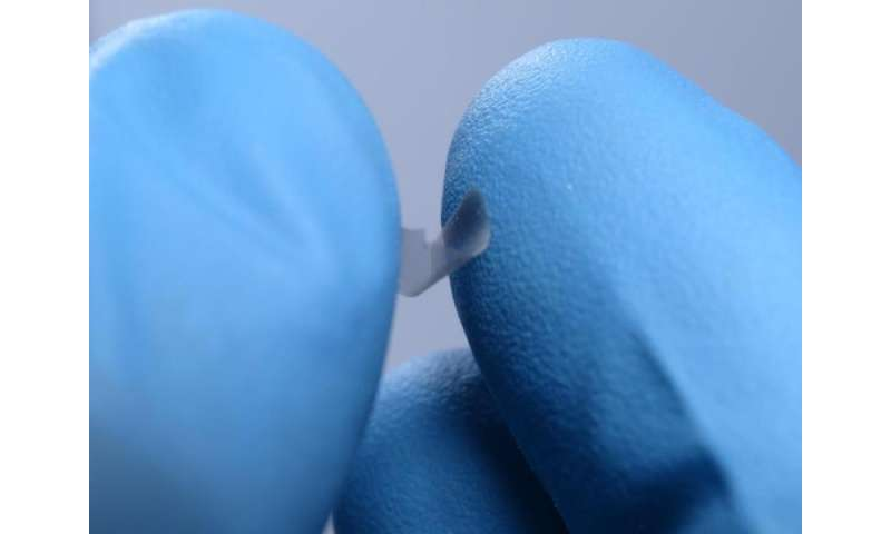 Penn researchers make thinnest plates that can be picked up by hand
