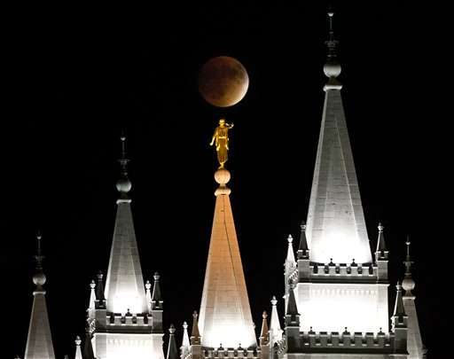 Stargazers ready for rare event in supermoon eclipse