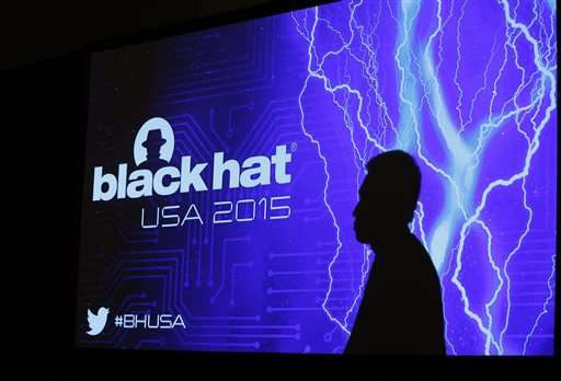 Homeland official asks Black Hat crowd to build trust