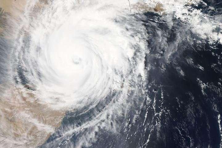 NASA sees Cyclone Chapala approaching landfall in Yemen